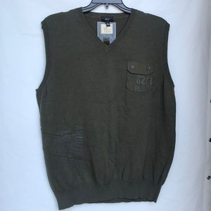 Men's army green pullover sweater vest size XL